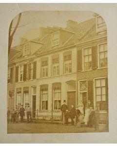 Albumine foto, woonhuis Den Helder, ca. 1875