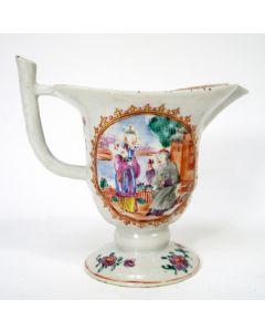 Mandarijn famille rose porseleinen schenkkan, 18e eeuw