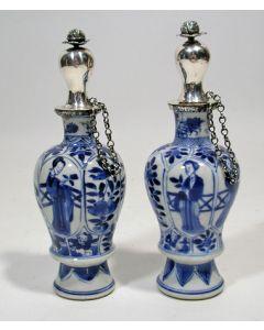 Chinese porseleinen reukwaterflesjes, Kangxi periode, met zilveren monturen