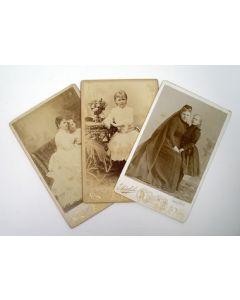 Kabinetfoto's, Emma en Wilhelmina, ca. 1890