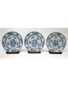 3 Chinese porseleinen schotels, Qianlong periode