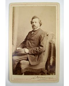 Gesigneerde portretfoto van Prof. F.C. Donders, ca. 1870
