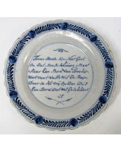 Delfts bord met opschrift, 18e eeuw