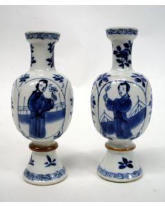 Stel Chinees porseleinen buikvaasjes, Kangxi periode, ca. 1700