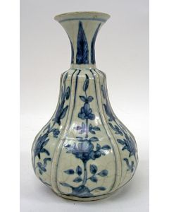 Chinese porseleinen vaas, Ming periode, ca. 1600