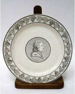 Faience bord met de voorstelling van Herman Boerhaave, Creil, ca. 1810