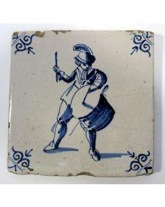 Tegel, tamboer, 17e eeuw