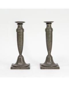 Stel tinnen kandelaars, 19e eeuw