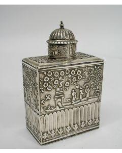 Zilveren theebusje met chinoiserie, 18e eeuw