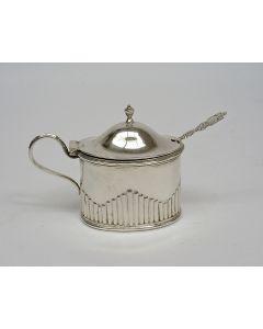 Zilveren mosterdpot, 19e eeuw