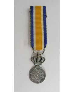 Eremedaille Oranje Nassau in zilver, miniatuur