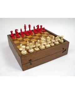 Benen schaakspel met bord, 19e eeuw