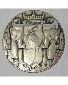 Chris van der Hoef, Penning Gemeentebestuur s Gravenhage, 1928