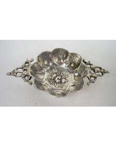 Zilveren miniatuur brandewijnkom, 17e eeuw