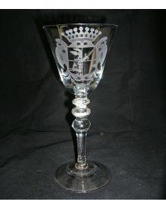 Gegraveerd glas, familiewapen De Blij, 19e eeuw