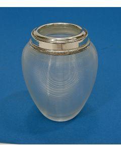 Ribglas / draadglas lepelvaasje met zilveren rand, 19e eeuw