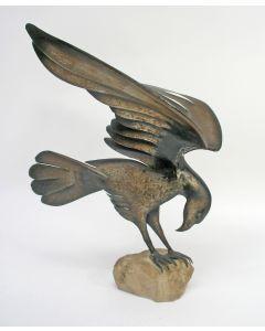 Plaatijzeren sculptuur, roofvogel, t.g.a. Jean-Pierre Hooft, ca. 1940