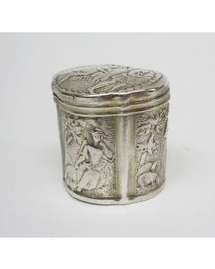 Zilveren lodereindoosje met bijbelse en galante voorstellingen, Dirk Wendels, Schoonhoven 1801.
