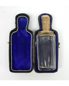 Parfumfles met gouden montuur, in foedraal, 19e eeuw