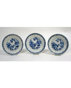 Drie Chinees porseleinen bordjes, Kangxi periode, ca. 1700