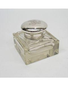 Kristallen inktpot met zilveren deksel