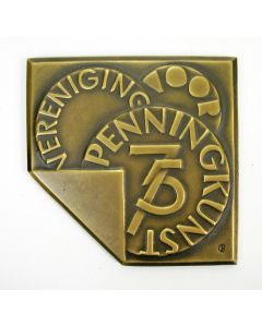 Jaarpenning VPK 2000, Vijfenzeventigjarig jubileum Vereniging voor Penningkunst [Christien Nijland]