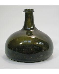 Groenglazen wijnfles, 17e/18e eeuw
