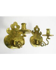 Stel geelkoperen wandkandelaars, 18e eeuw