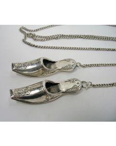 Jaarpenning VPK 1980 (#1), Vierkant met cirkel in hoek [Lijsbeth Teding van Berkhout]