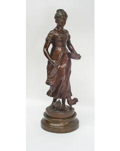 A. Espié, bronzen sculptuur, 'Kippen voeren', 19e eeuw