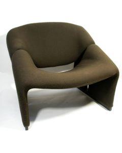 Artifort 'Groovy M-chair'