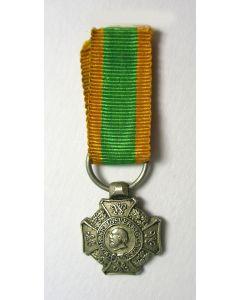 Kruis voor Krijgsverrigtingen, miniatuur draagmedaille