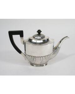 Klassieke zilveren theepot, 1923
