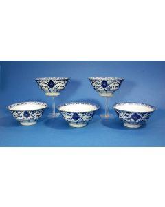 Vijf Chinese porseleinen kommen, ca. 1800