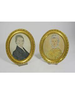 Stel miniatuurportretten, voorstellend 'Semijn. de grootvader van Johanna Gerardina Hennink' en diens echtgenote, ca. 1830