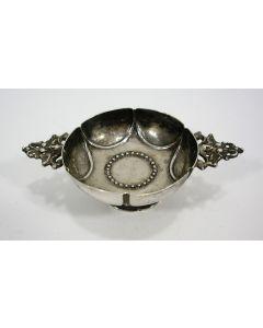 Zilveren miniatuur brandewijnkom, 18e eeuw