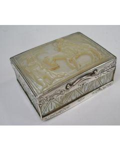Zilveren snuifdoos met paarlemoer deksel, 19e eeuw