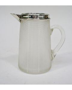 Ribglas roomkannetje met zilveren rand, 19e eeuw
