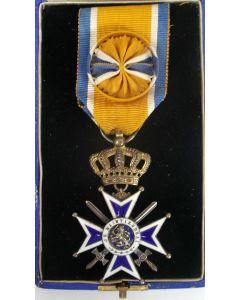 Officier Oranje Nassau met de Zwaarden
