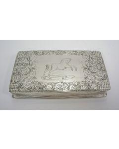 Zilveren tabaksdoos als beloning aan Anne Louws de Vries voor het blussen van een brand te Sint Jacobi Parochie (Friesland), 1843