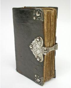 Gebedenboek met zilveren slot door Johan Nicolaus Stahl, Roermond 18e eeuw