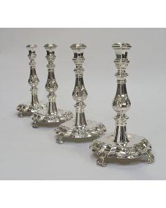 Vier zilveren kandelaars, Hendrik Dauw, Leeuwarden, 18e eeuw