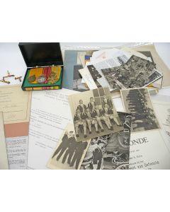 Spang van drie onderscheidingen, met Inhuldigingsmedaille 1948, met bijbehorende oorkondes op naam en uitvoerige persoonlijke documentatie