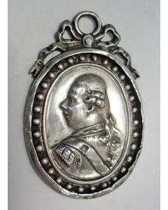 Orangistisch draagteken met de afbeelding van Stadhouder Willem V, ca. 1787