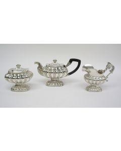 Driedelig zilveren theeservies, Petrus Kroijmans, 's Hertogenbosch, 1839