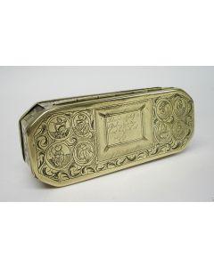 Gegraveerde koperen tabaksdoos met religieuze voorstellingen, 18e eeuw