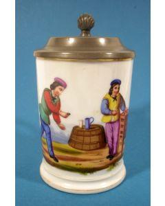 Bierpul met de afbeelding van een behendigheidsspel, 19e eeuw