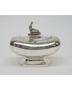 Zilveren theedoos met chinoiserie, gemerkt Bennewitz, 1850