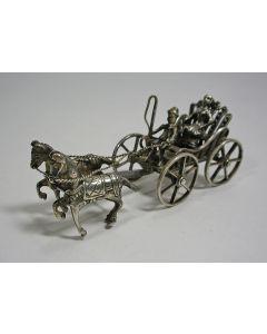 Miniatuur zilveren wagen met tweespan, 19e eeuw