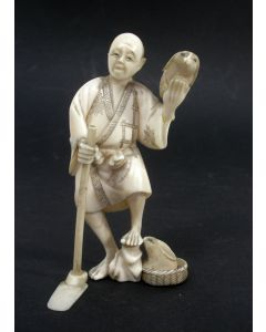 Ivoren okimono, Japan, ca. 1900